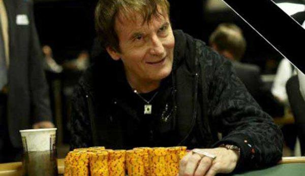 Почина покер легендата Дейв Улиът
