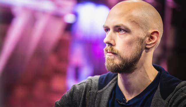 покер професионалиста печалби
