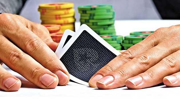 Покер турнирите на живо много активни през последните години, увеличаване на хай ролер турнирите класацията на десетте покер играчи с печалбите