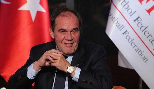 Президентът на турската футболна федерация се оттегли заради връзка с букмейкър